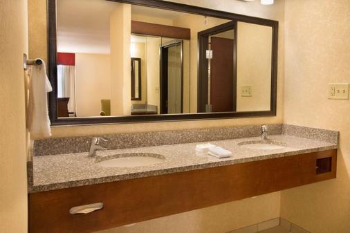 夏洛特大学特鲁里公寓酒店 - 夏洛特 - 浴室