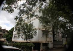 Hotel Bhooshan - 浦那