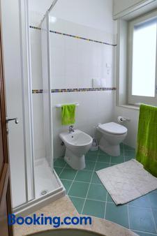 乐5托里酒店 - 特拉帕尼 - 浴室