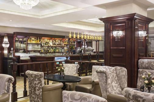布加勒斯特北华美达套房酒店 - 布加勒斯特 - 酒吧