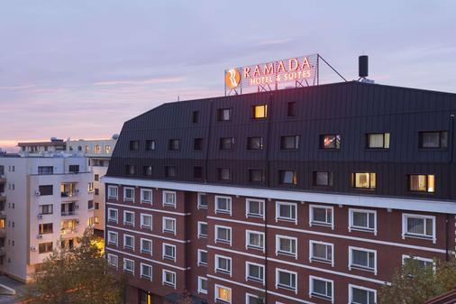 布加勒斯特北华美达套房酒店 - 布加勒斯特 - 建筑