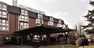 千禧国际巴黎查尔斯戴高乐酒店 - 鲁瓦西昂法兰西 - 户外景观