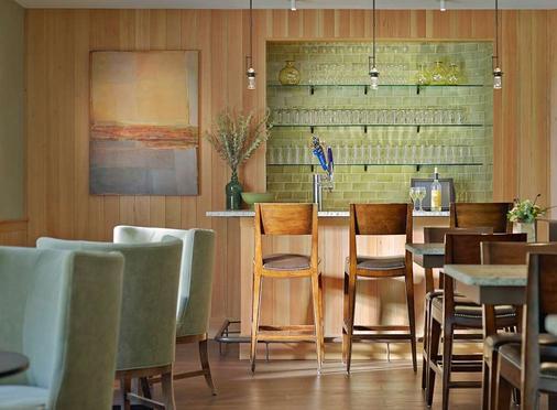绿山套房酒店 - 南伯灵顿 - 酒吧