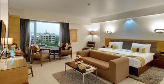 孟买苏巴国际饭店 - 孟买 - 睡房