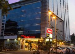 巴提克酒店 - 棉兰 - 建筑