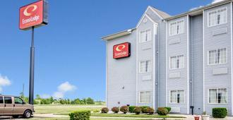 埃文斯维尔生态套房酒店 - 埃文斯维尔