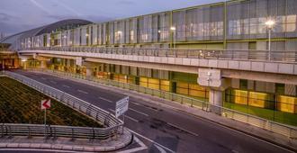 伊兹密尔塔夫机场酒店 - 伊兹密尔 - 建筑