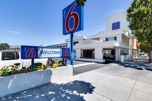 圣荷西会展中心6号汽车旅馆 - 圣何塞 - 建筑