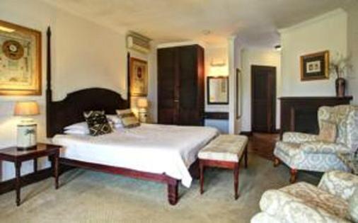 远山酒店 - 乔治 - 睡房
