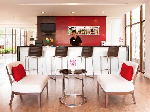 宜必思曼谷河滨酒店 - 曼谷 - 酒吧