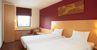 宜必思曼谷河滨酒店 - 曼谷 - 睡房
