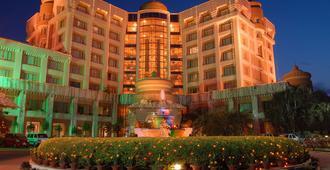 布巴内斯瓦尔斯沃兹高级酒店 - 布巴内斯瓦尔