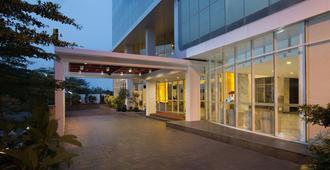 哈里斯頓套房飯店 - 雅加达 - 建筑
