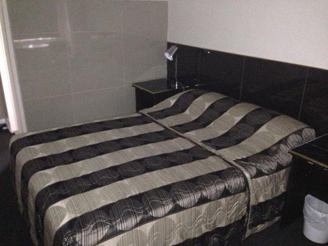 阿瓦隆汽车旅馆 - 干比尔山 - 睡房