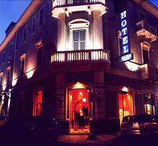 阿尔巴酒店