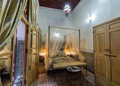 里亚德塔尔耶纳旅馆 - 非斯 - 睡房