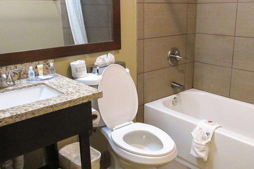 凯富酒店 - 莫德斯托 - 浴室