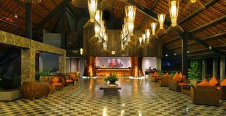 绿洲潟湖沙努尔酒店 - 登巴萨 - 大厅