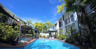 水晶花园度假村和餐厅 - 凯恩斯 - 游泳池