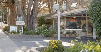 蒙特雷市美国最佳价值旅馆 - 蒙特雷 - 户外景观