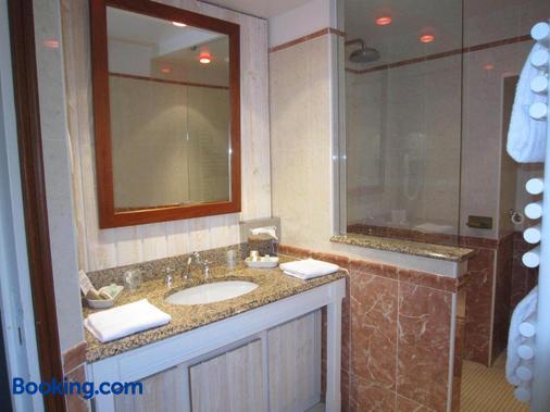 坎宁安庄园酒店 - 圣马洛 - 浴室