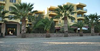 艾瓦勒克棕櫚庭院套房飯店 - 艾瓦勒克 - 建筑
