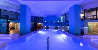 普雷努拉酒店 - 斯利马 - 游泳池