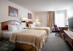 丹佛国际机场戴斯套房酒店 - 丹佛 - 睡房