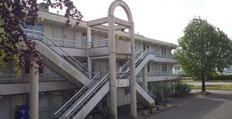 巴黎兹钟楼酒店 - 比亚里茨 - 建筑
