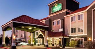 罗斯威尔拉金塔旅馆及套房 - 罗斯威尔