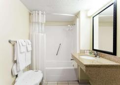 塔拉哈西豪生酒店 - 塔拉哈西 - 浴室