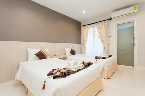 普吉岛机场公寓酒店 - 迈考海滩 - 睡房