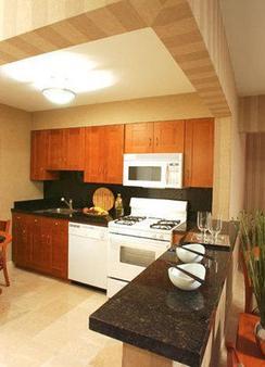 7斯普林斯旅馆&套房酒店 - 棕榈泉 - 厨房