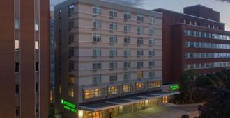 布法罗市中心温德姆花园酒店 - 布法罗 - 建筑