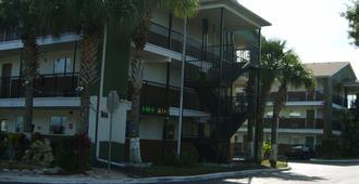 阳光风格套房酒店 - 奥兰多 - 建筑