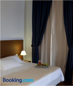 蒂齐亚诺酒店 - 特拉帕尼 - 睡房