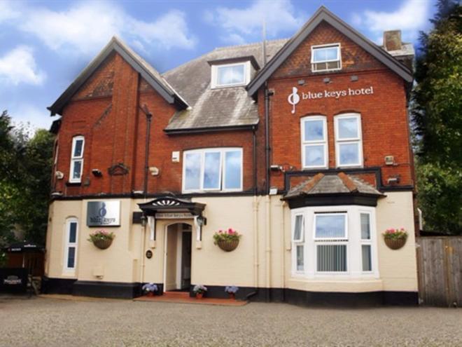 蓝钥匙酒店、酒吧和餐厅 - 南安普敦 - 建筑