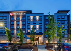 匹兹堡北部克兰贝里最佳西方Plus酒店 - 蔓越莓乡 - 建筑