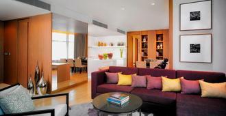 曼谷苏克哈姆维特通罗万豪行政公寓 - 曼谷 - 客厅