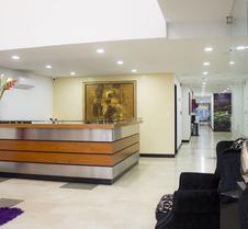列拉斯10酒店