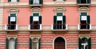 默格尔利纳度假酒店 - 那不勒斯 - 建筑