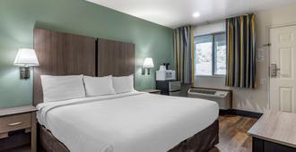 波特兰港伊克诺酒店 - 波特兰 - 睡房