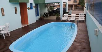 敦菲什酒店 - 弗洛里亚诺波利斯 - 游泳池