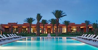 林帕茨温泉酒店 - 马拉喀什 - 游泳池