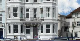 OYO 航海游行酒店 - 伊斯特布恩 - 建筑
