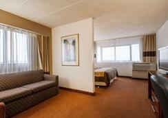 凯富麦迪逊套房酒店 - 机场 - 麦迪逊 - 睡房