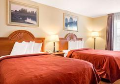班戈购物中心品质酒店 - 班戈 - 睡房