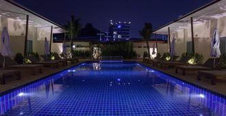 查隆公主泳池别墅度假村 - 查龙 - 游泳池