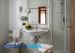 卡萨栀子花别墅酒店 - 威尼斯 - 浴室