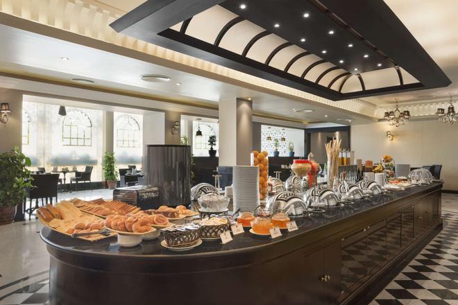 巴林温德姆华美达酒店 - 麦纳麦 - 自助餐